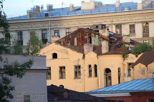старые дома на Васильевском острове Санкт-Петербурга